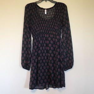 Black long sleeve dress w/ designs!